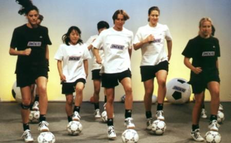 Sportunterricht: BallKoRobics – Koordination mit Ball und Musik