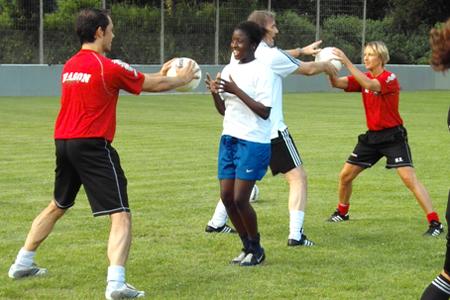 Sportunterricht Ballkorobics Partnerübungen 2