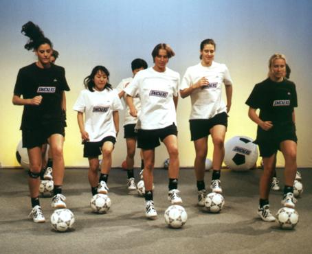 Sportunterricht: BallKoRobics 1 - Koordination mit Ball und Musik